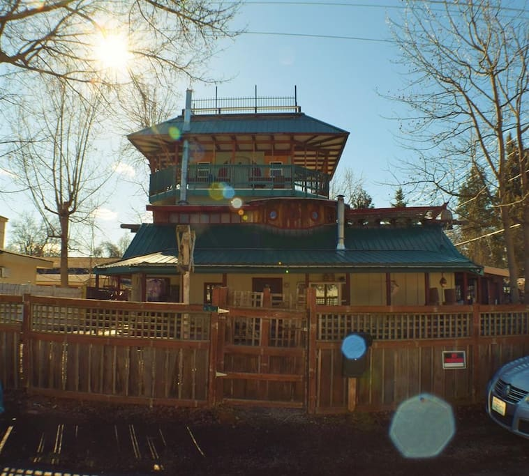 Spokane's 'Most Unique Home' Funky House Lodging!