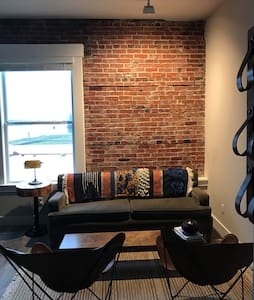 Amazing loft with river views - Saint Helens - Lejlighed