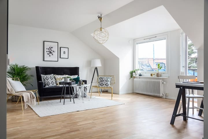 Amazing rooftop apartment 3 Subway st to Stockholm - Solna - Apartment