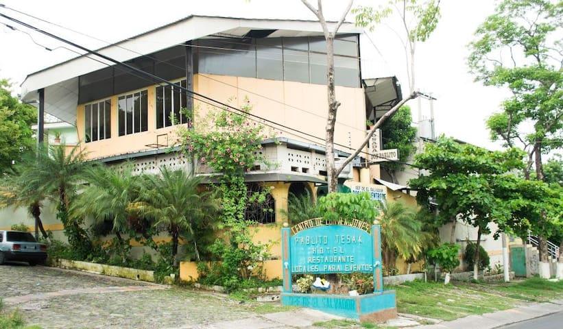 Centro Pablito Tesak, tu hotel en San Vicente