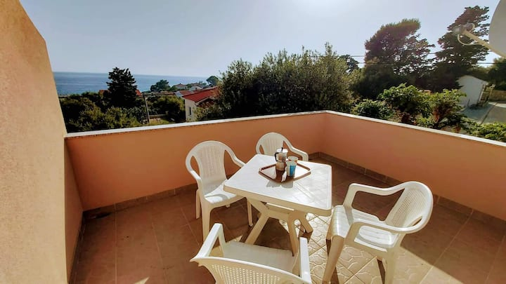 One bedroom Apartment, 100m from city center, seaside in Jakisnica, Terrace