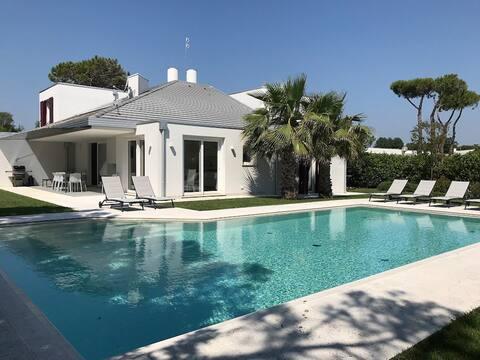 Villa Moderna con Piscina Privata Isola Albarella