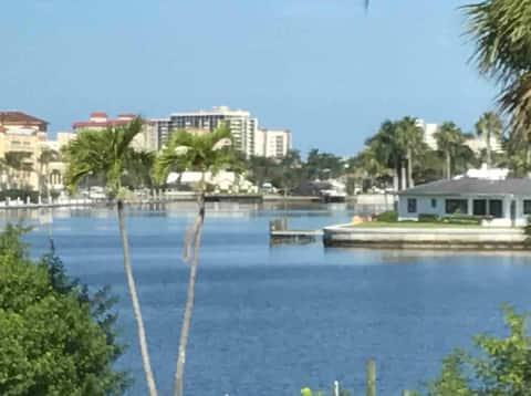Naples FL Luxury Vacation 600 Feet to Naples Beach