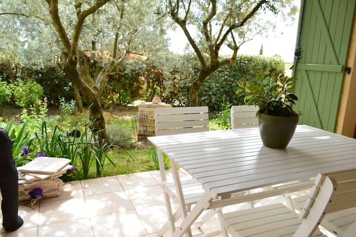 Le jardin de Monique - La Motte-d'Aigues - House