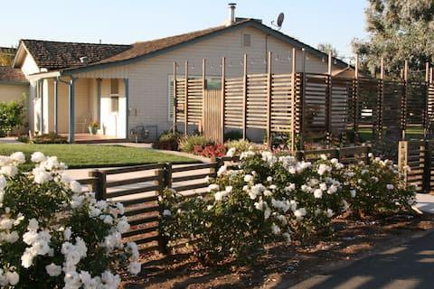 """""""Garden Faire Cottage""""  Visit Lodi Wineries"""