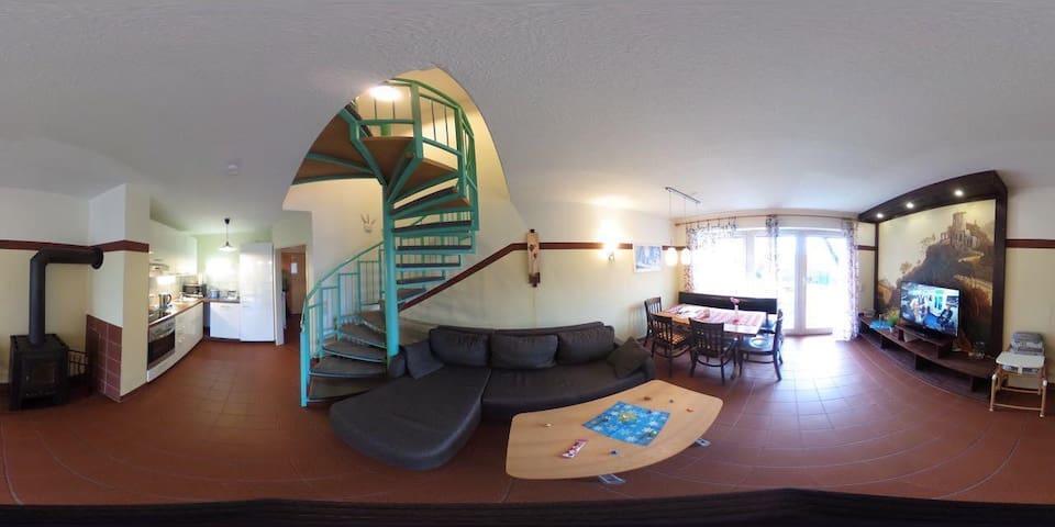 Ferienhäuser Schlossberg mit zwei sep. Schlafräumen, kostenlosem w-lan und neuer Hausausstattung