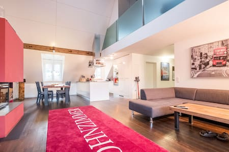 Charming Rooftop Loft. Close to the Towncenter. - Bern - Loft