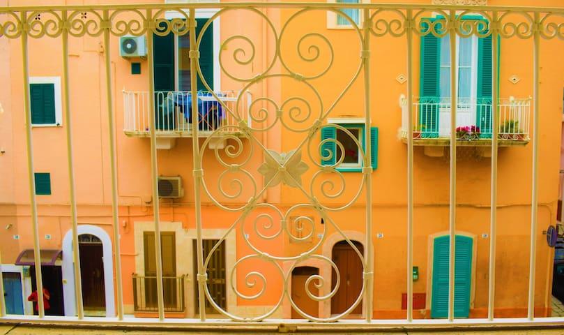 Sunlight Terrace, Authentic Apulian Apartment - Monopoli - Apartment