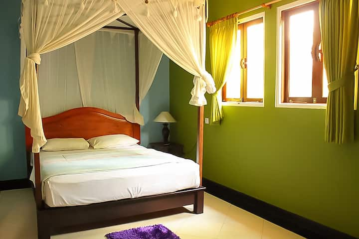 Corner Guesthouse: Deluxe Room with Terrace