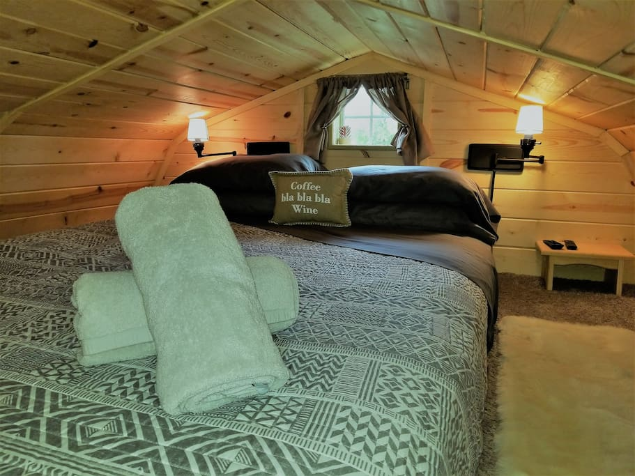 Spectacular Horse Ranch Tiny House Great Location