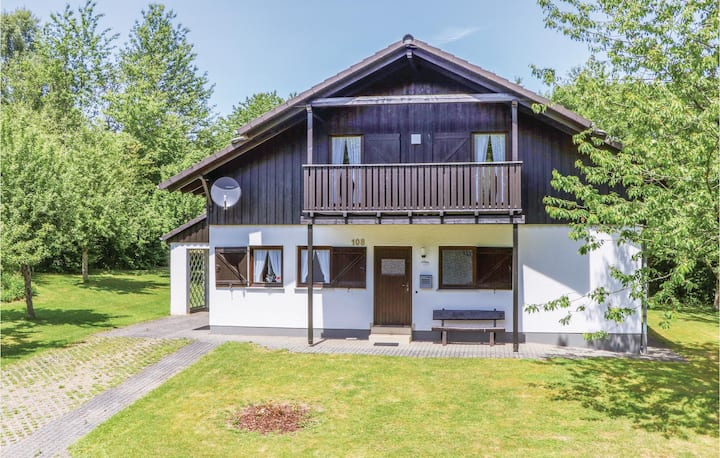 Nice home in Thalfang with 3 Bedrooms and WiFi