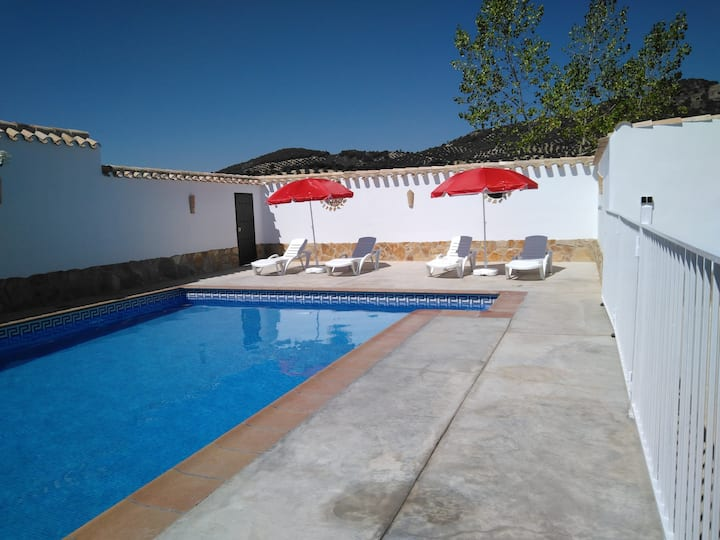 House with 6 bedrooms in Las Lagunillas, with wonderful mountain view, private pool, enclosed garden