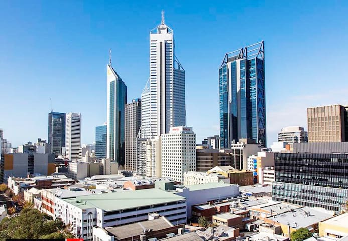 Private room Perth CBD with wifi, gym, pool