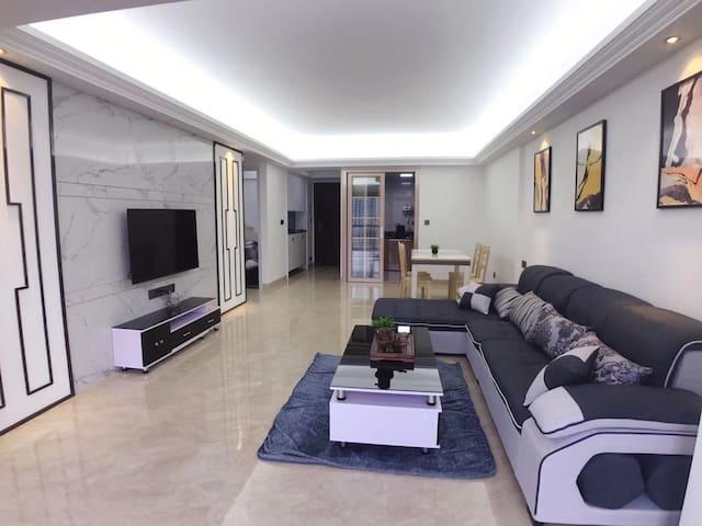 创鸿国际高楼层-文轩公寓