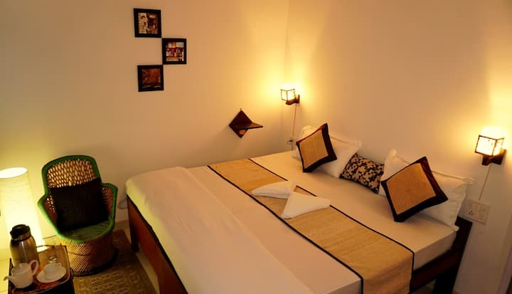 Deluxe Private Room in Agra