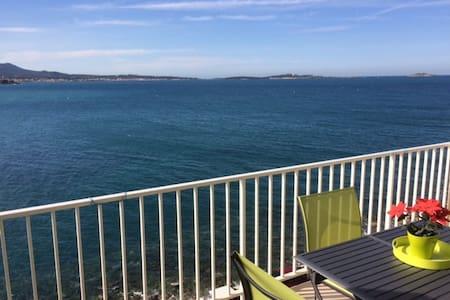 Front de mer, plages & commerces à pied - Sanary-sur-Mer