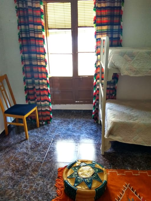 Dormitorio amplio con balcon al exterior