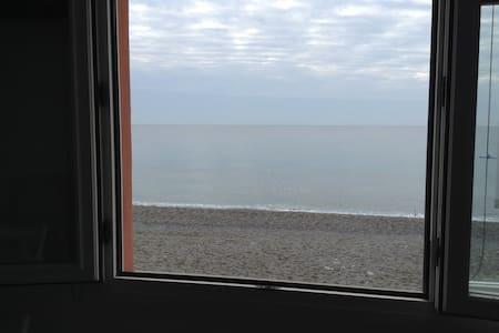 ...a window overlooking the sea... - Varigotti