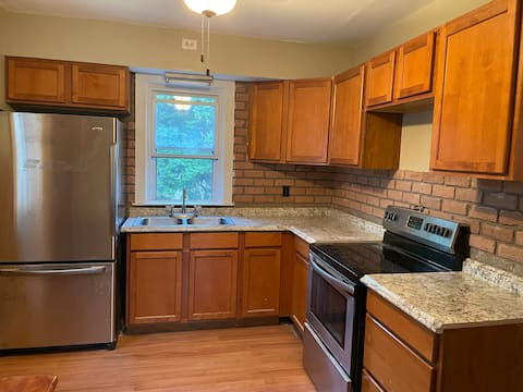 Cheerful 4 bedroom house near Cherry Hill, Philly