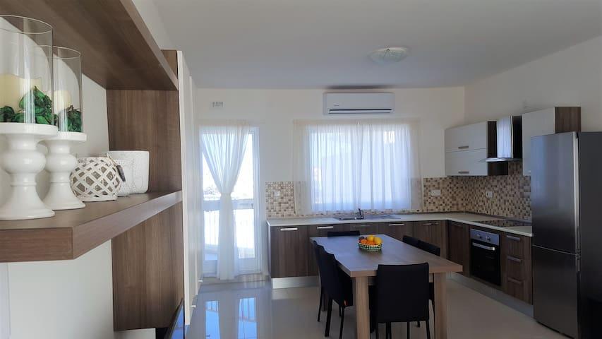 New Penthouse 3 Bedrooms with Sea Views - Marsaskala - Apartment