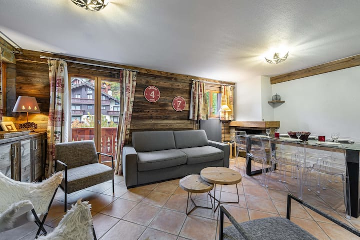 Ferme c318 : Charming and welcoming family apartment. Indoor swimming pool.