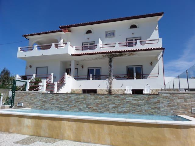 Quinta das Nogueiras B&B - Spacious and relaxed - Foz do Arelho - Bed & Breakfast