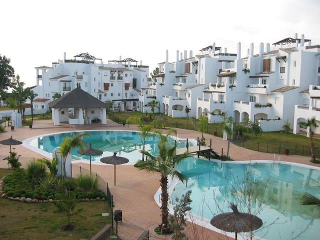7-540 planta baja primera linea de playa - San Pedro de Alcántara - Departamento