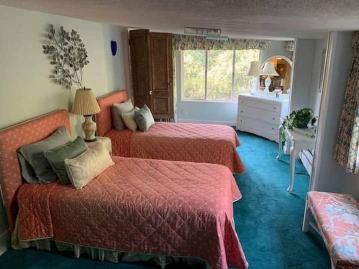 Spacious Carmel Highland Retreat