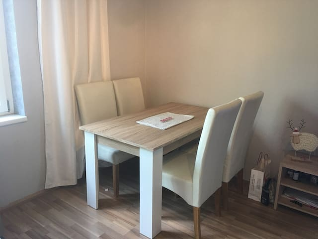Table to eat just for you in your room