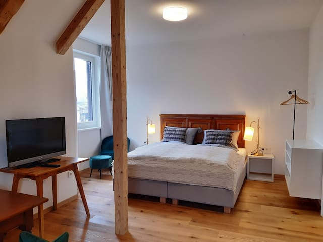 Cozy Gemma Apartment Magdalena with Balcony, Mountain View & Wi-Fi; Parking Available