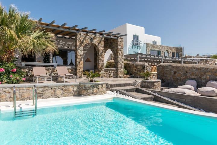 Villa Infinium - 3 Bedr villa with Private Pool