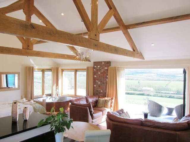 Stargazey - 5 star Gold award apartment with copper bath - Bude