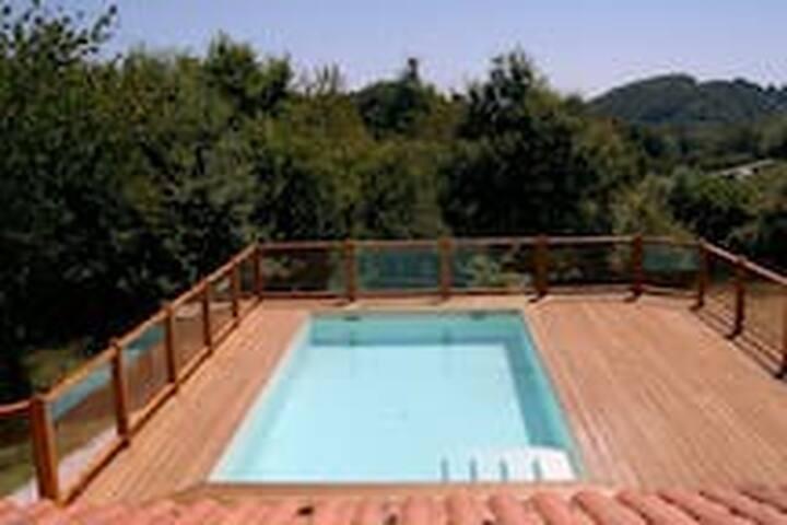Duplex dans maison basque à la campagne