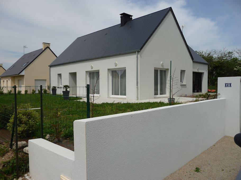 une maison neuve agr able proche du centre villas for rent in portbail normandie france. Black Bedroom Furniture Sets. Home Design Ideas
