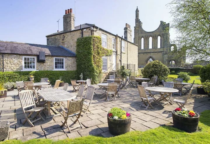 Byland Abbey Inn