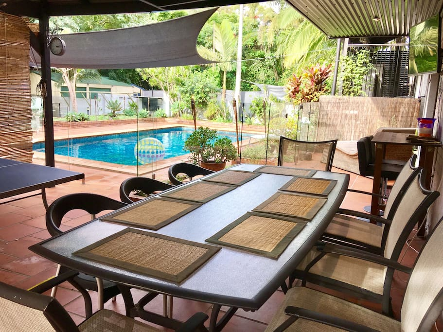 Alfresco Dining Area with Table Tennis