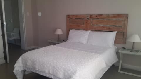 Gamka Olives Farm Accomm. Frantoio Garden Room