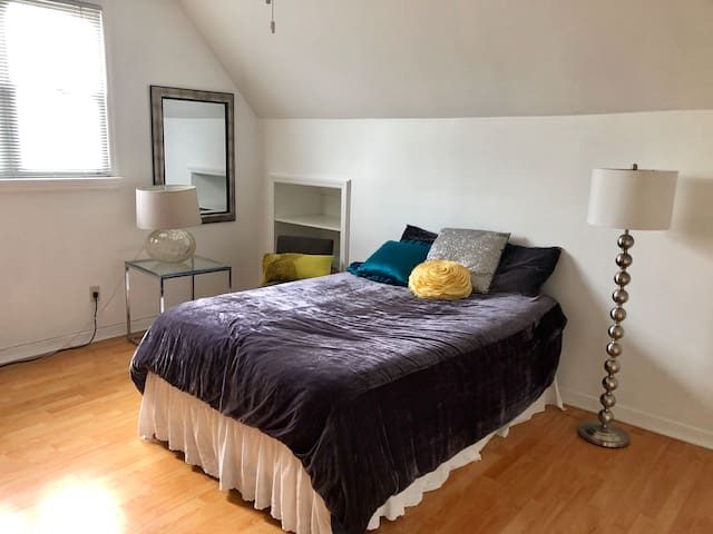 XL Private Bedroom in the Heart of Brooklyn
