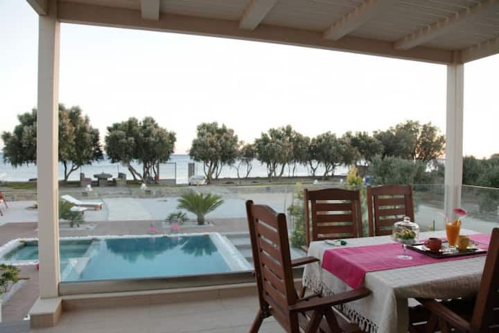 Seafront lux villa only a few meters from beach