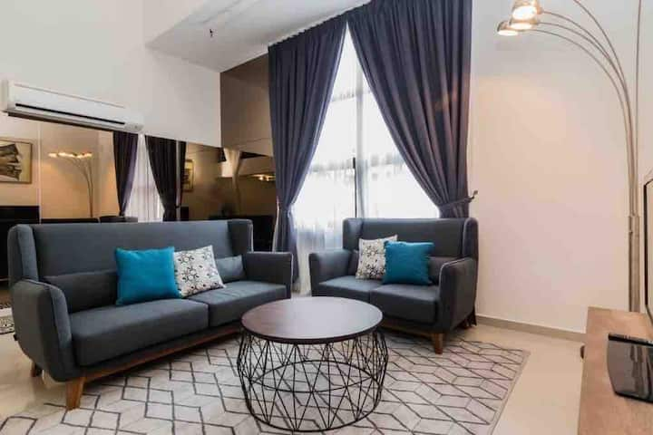Kyra Luxury Duplex Studio @Pinnacle KJaya **WIFI**