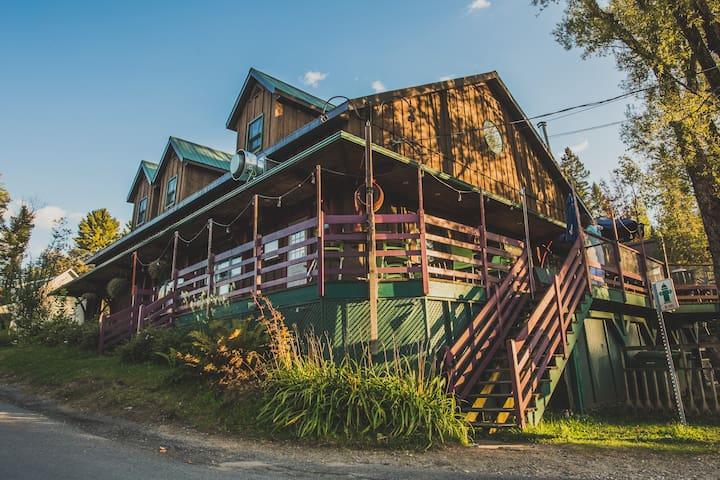 Charming Inn & Hostel Microbrewery