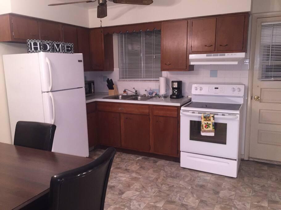 Kitchen (Common Area)