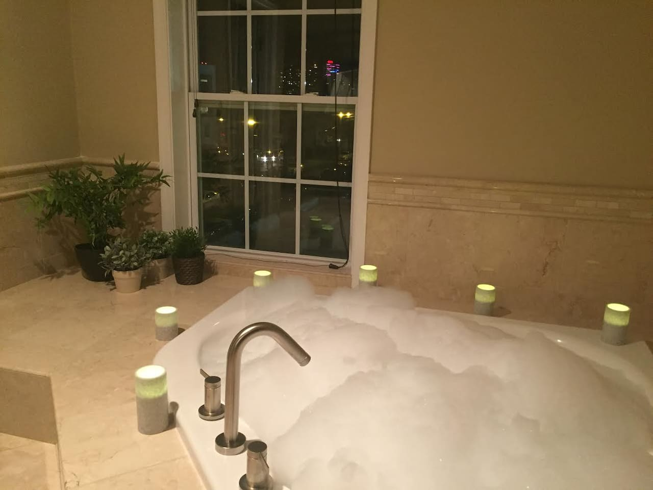 Romantic Penthouse Getaway with Jacuzzi