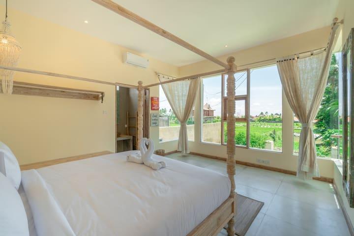 Peaceful & Stunning Ubud Villa w/ Rice Paddy View