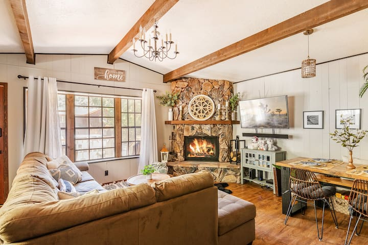 Sweet Cedar Cabin - A Modern Mountain Escape