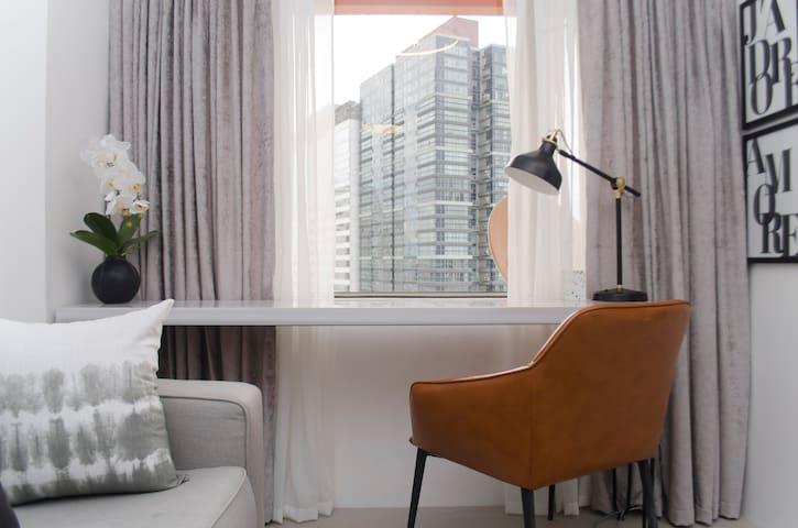 Luxury Modernistic Apartment, Makati @Indigo