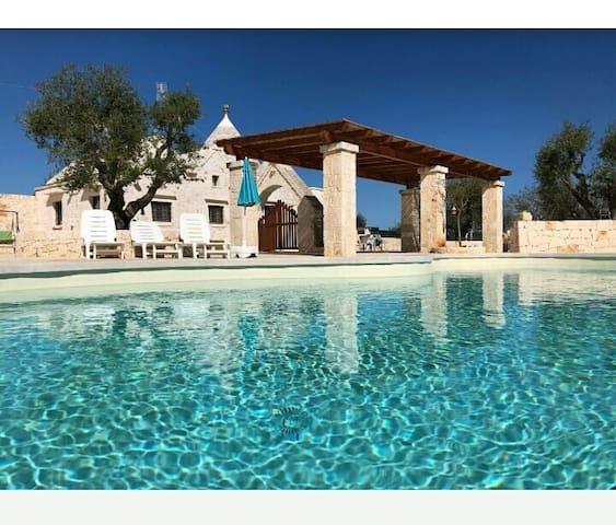 """Trullo Ciliegio- """"Il Colle del Noce"""" with pool"""