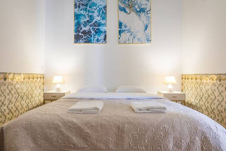 NEW!! Santa Justa Bright Room in Baixa Chiado