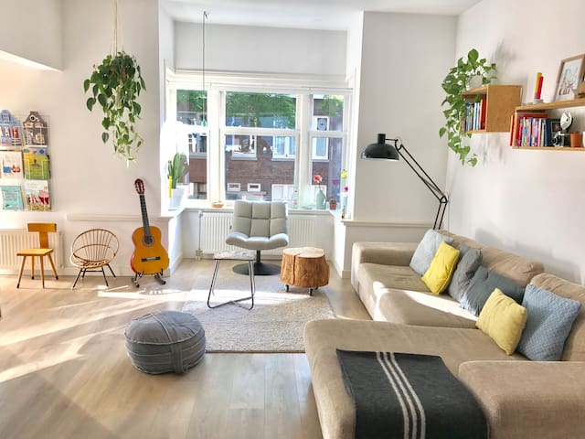 Cosy bright apartment in a lovely neightborhood