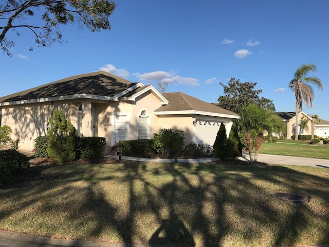 Spacious House in Gated Community on Golf Course